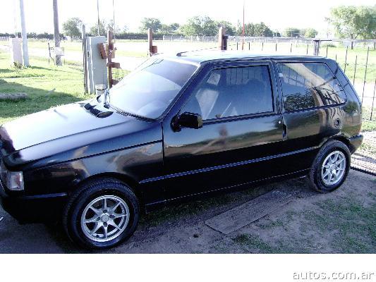 Ars 15 500 Fiat Uno Cl 1 6 Con Fotos En Corral De Bustos Ai O