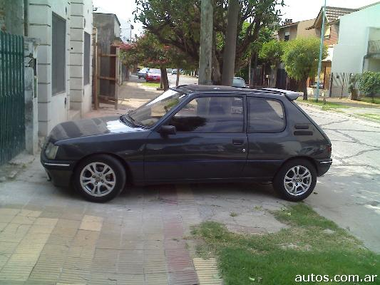 ars peugeot 205 xs con fotos en mor n a o 1994 nafta. Black Bedroom Furniture Sets. Home Design Ideas