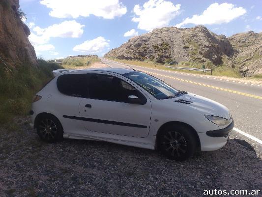 Ars 33 000 Peugeot 206 1 4 Nafta Gnc Con Fotos En