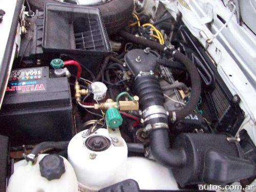 El olor de la gasolina en el salón del automóvil lada el mundillo