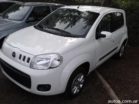 Ars fiat uno novo 1 4 attractive con fotos en for Precio fiat idea attractive 2013