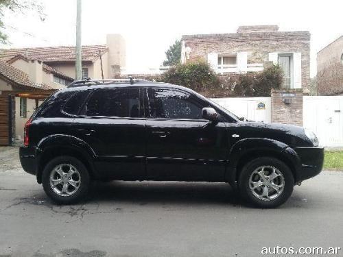 Hyundai Tucson on 2011 Dodge Dakota
