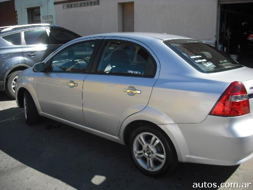 Ars 70000 Chevrolet Aveo Lt Mt Full 16v Con Fotos En Almagro